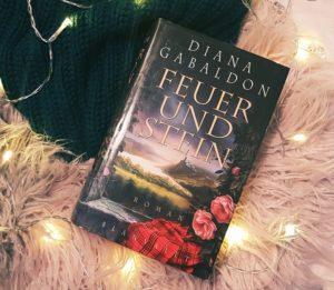 Outlander - Feuer und Stein von Diana Gabaldon in einer Hardcover Ausgabe aus dem Blanvalet Verlag