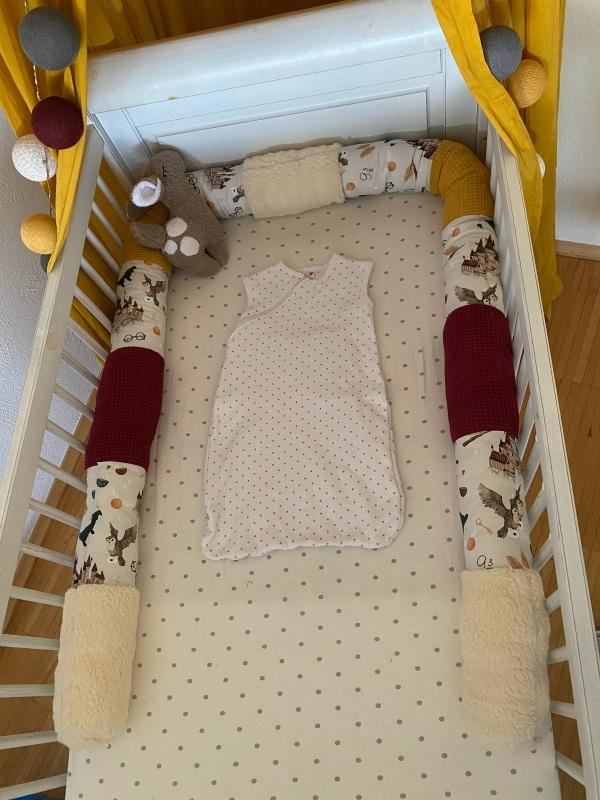 fertige Harry Potter Bettschlange im Babybett